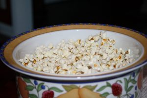 Picture of a bowl of popcorn